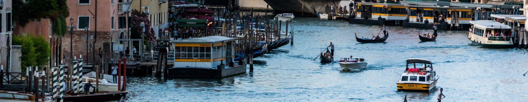 Paseo en venecia: descubriendo a la Serenissima Venecia en bus desde Rimini