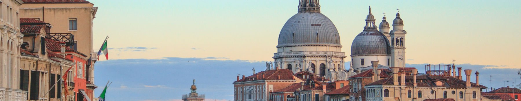 An excursion to discover the Republic of Venice from Rimini by bus