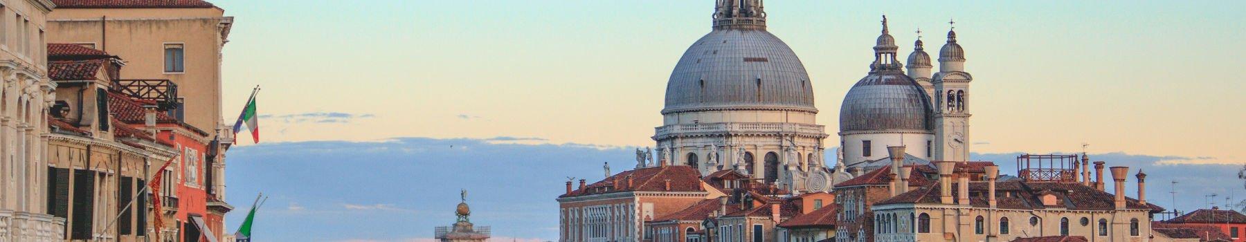 Da Rimini, Riccione, Cesenatico a Venezia in autobus | Bonelli Bus